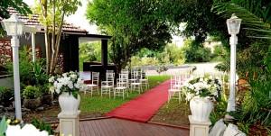 garden-wedding-tudor-lodge-5